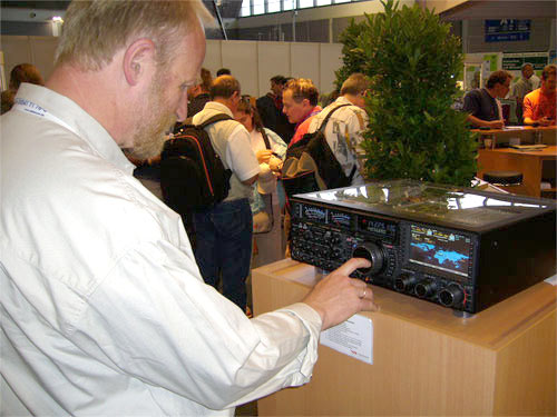 ... or better the Yaesu FT-DX-9000D??